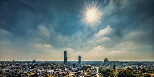 Het centrum van Leeuwarden vanaf de Oldehove von Harrie Muis
