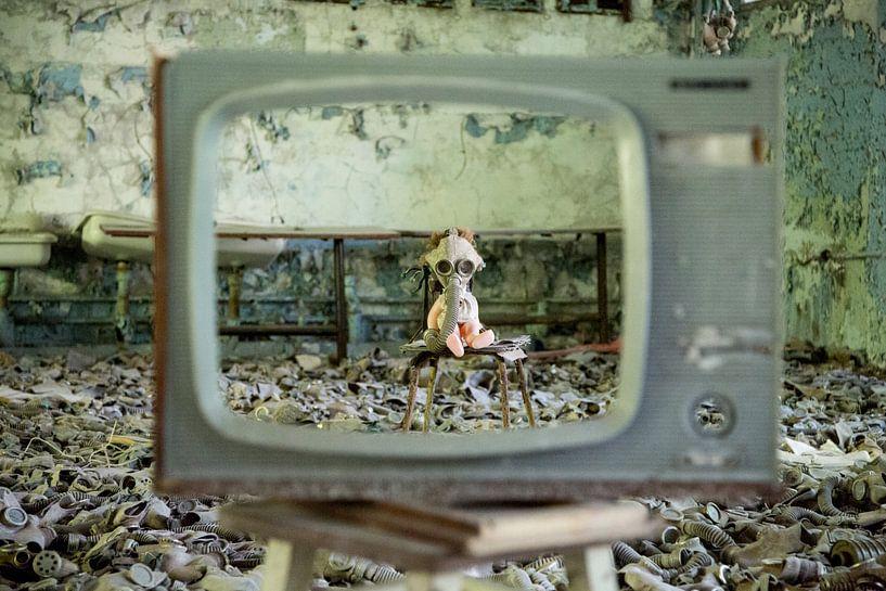 School in Pripjat, achtergelaten pop van Anko Zwerver