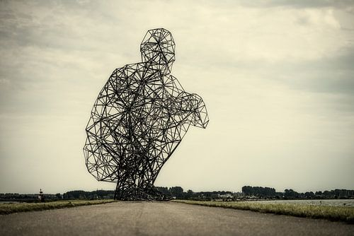 Exposure - Lelystad - Beeld van Antony Gormley van
