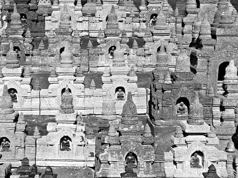Tempels; boeddhistisch heiligdom van Jessica Berendsen