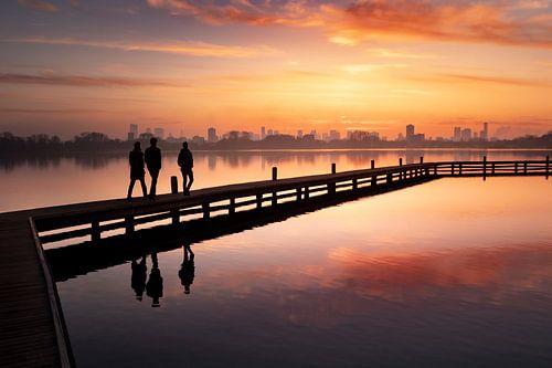 Sonnenuntergang in der Skyline von Rotterdam von Claire Droppert