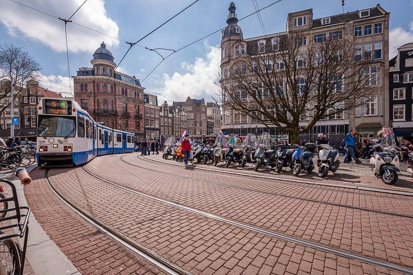 Die S-Bahn an Koningsplein und Singel, Amsterdam von John Verbruggen