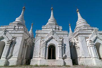 Aungmyethazan Township: Sandamuni pagoda van Maarten Verhees