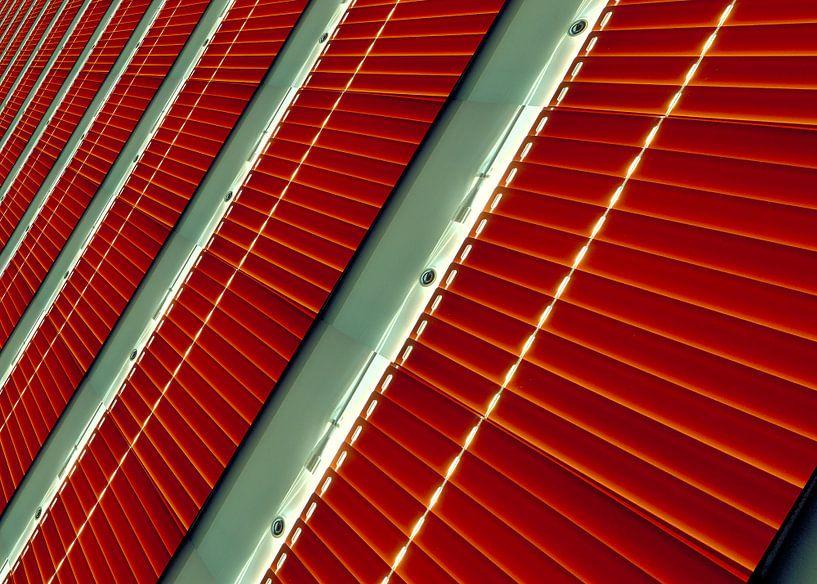 Red shutters van Leopold Brix