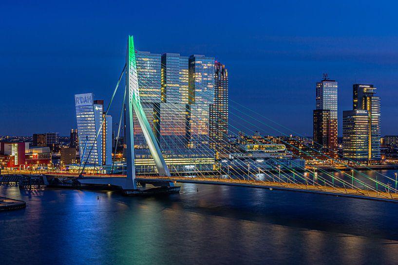 Erasmusbrug Rotterdam Groen-wit-groen van Leon van der Velden