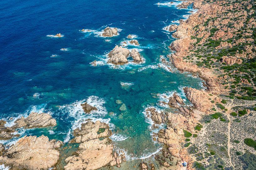 Spiaggia Li Caneddi, Sardinië van Bernardine de Laat