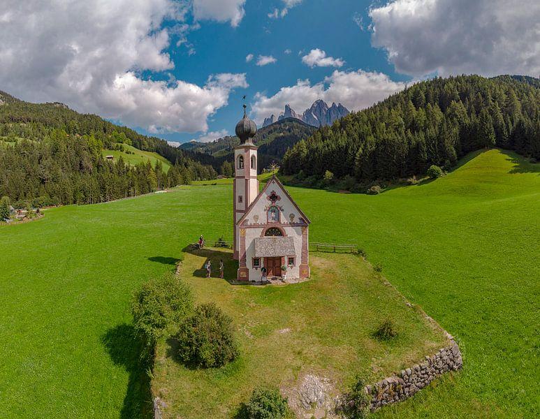 Kirche St. Johann in Ranui, Villnoss Tal, Sankt Magdalena, Südtirol - Alto Adige, Italië van Rene van der Meer