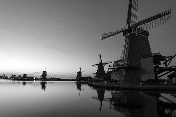Zwoele zomeravond aan de Zaan van Roelof Foppen