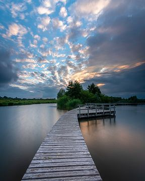steiger bij zonsondergang van Rob Bout