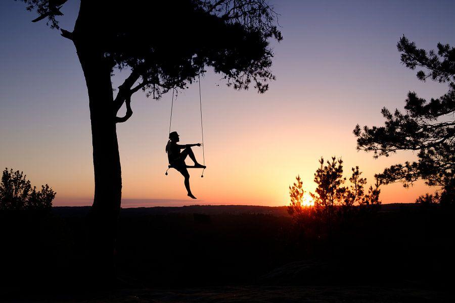 Swinging sunset van Arjen Roos