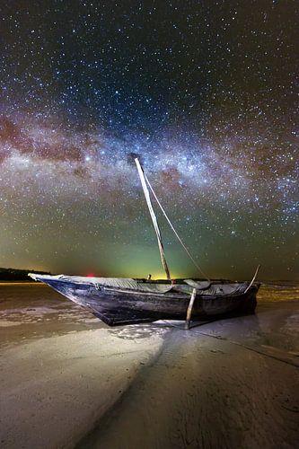 Zanzibar night boat von Vincent Xeridat