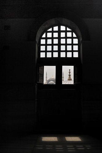 Zicht op de Blauwe Moskee vanuit de Aya Sophia in Istanbul van