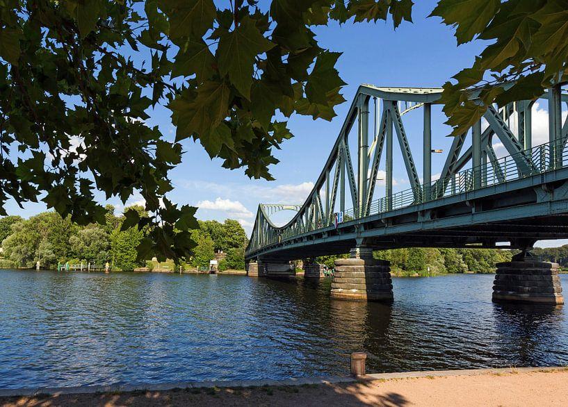 Le pont Glienicke entre Berlin et Potsdam sur Frank Herrmann