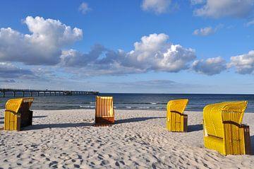 4 gele strandstoelen in Binz van GH Foto & Artdesign