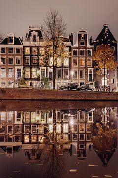 Amsterdam in de nacht van Emily Rocha
