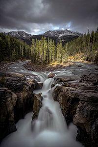 Jasper Canada waterfall van