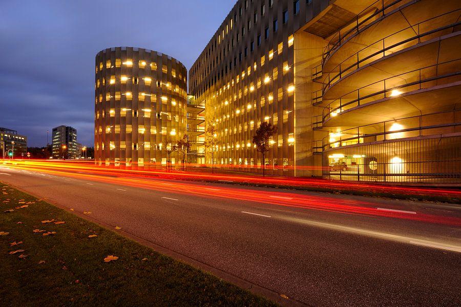 Parkeergarage aan de Papendorpseweg op het bedrijventerrein Papendorp in Utrecht van Donker Utrecht