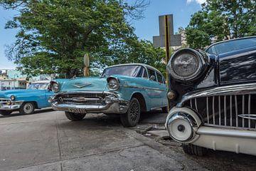 Cubaanse oldtimers in Havana downtown van Celina Dorrestein