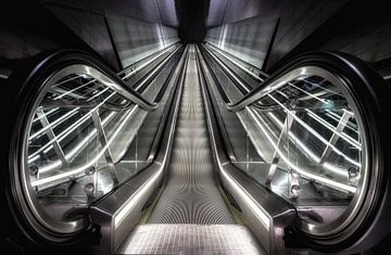 Rolltreppe Metro Nord Süd Linie Amsterdam von Mario Calma