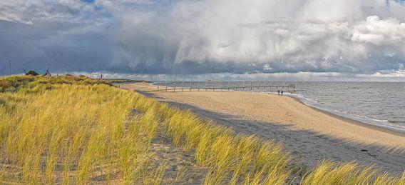Strand, zee, wolken, Texel / Beach, sea, clouds, Texel van Justin Sinner Pictures ( Fotograaf op Texel)