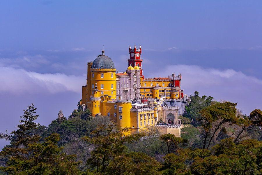 Pena Palace - Sintra (Palácio da Pena) van Roy Poots