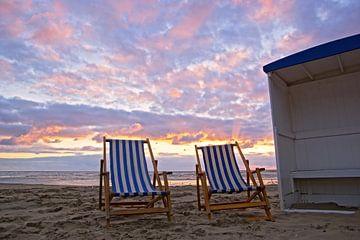 life on the beach von Dirk van Egmond