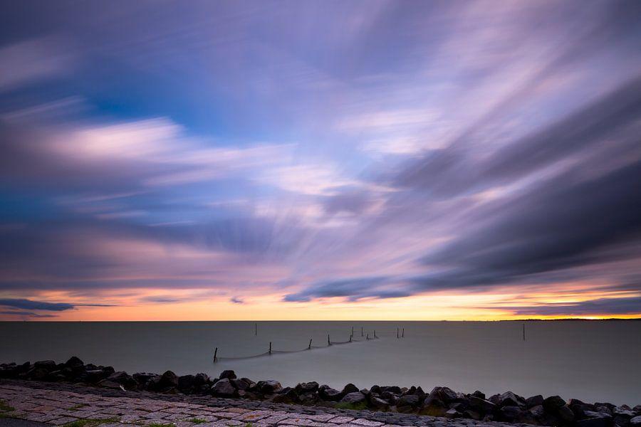 Long exposure boven het IJsselmeer van Mark Scheper