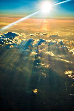 zonsondergang met wolkenpartij van Fred Leeflang