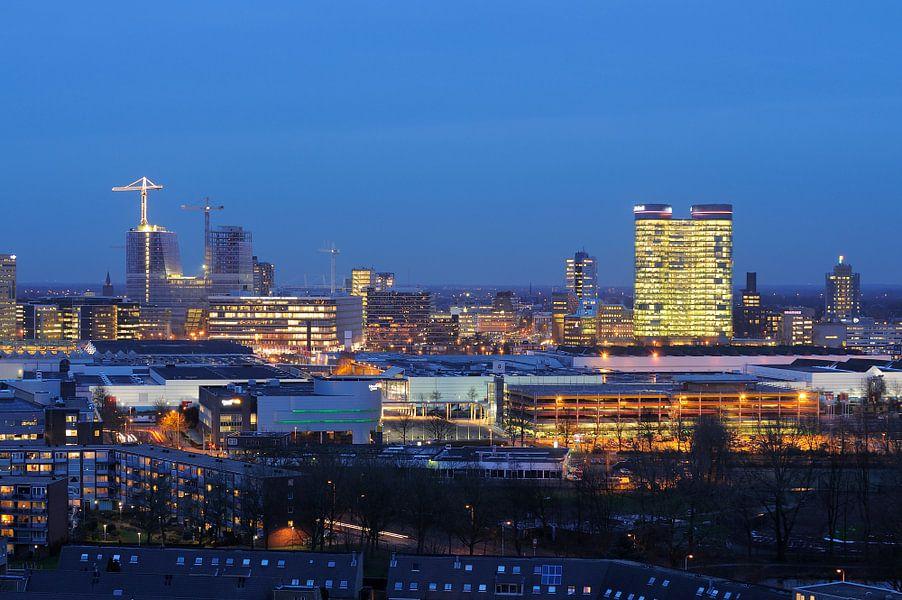 Uitzicht op het stationsgebied van Utrecht van Donker Utrecht
