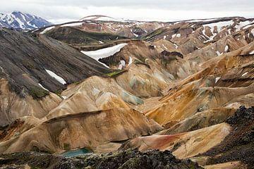Landmannalaugar op IJsland van Karin de Jonge