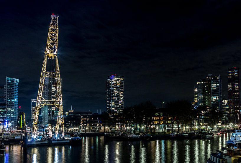 Rotterdam Leuvehaven bij nacht van Marcel Runhart
