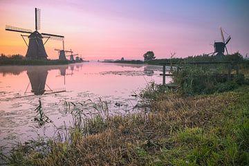 Kinderdijk in de vroege morgen sur Sebastiaan van Baar
