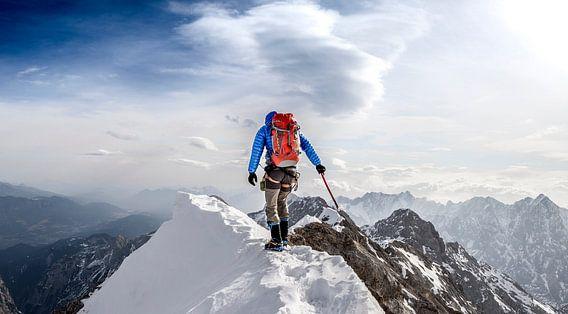 Climbing Jubiläum ridge, Zugspitze.