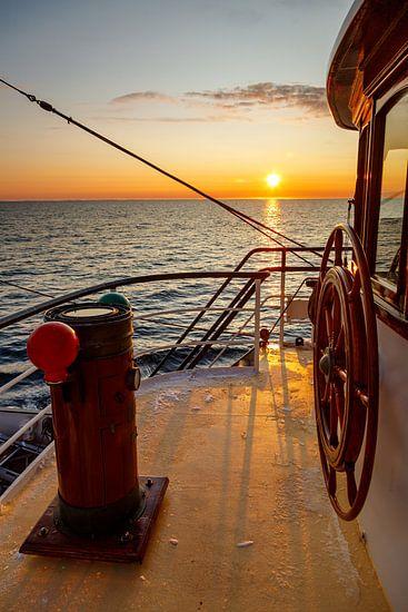 Zonsondergang van het Tallship Antigua.