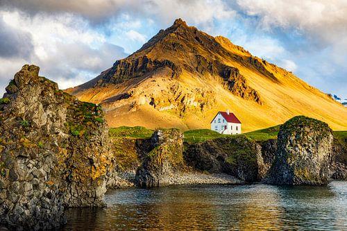 Das Haus zwischen Berg und Meer