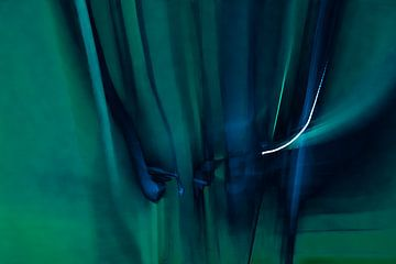 Abstract blauw 2 van Su The Dreamoffice Director