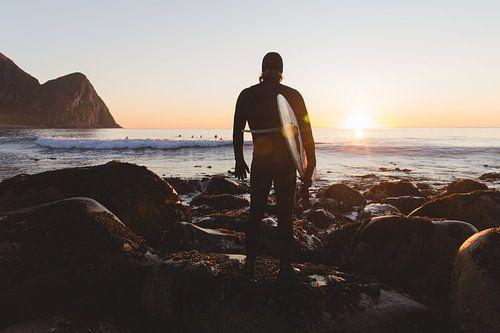 SURFER IN NOORWEGEN van