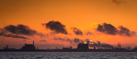 Skyline van industrie van Marcel Kerkhof