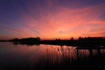 Paarse lucht in Rotterdam Nesselande van Capture the Moment 010