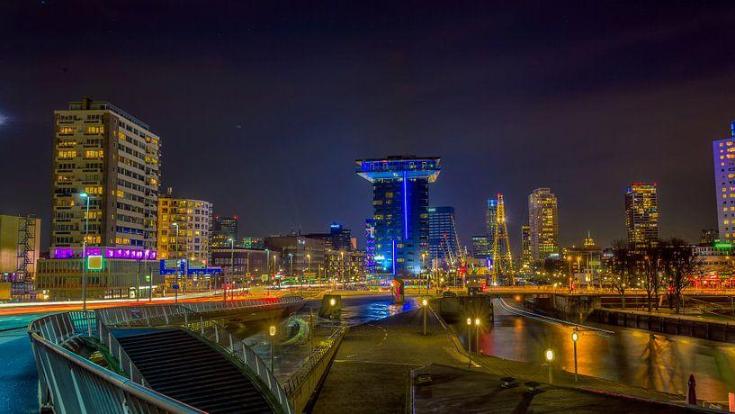 Intel Hotel vana Erasmusbrug van Michael van der Burg
