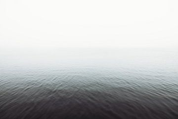 Nebliger See von Wouter van der Weerd