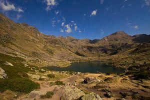 Een mooi meer in de Andorraanse Pyreneeën van