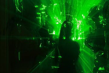 Lazer beams  van Lydia Remmers