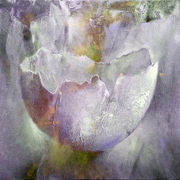 De eierschaal - structuren in roze, grijs en geel van Annette Schmucker