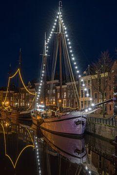 Hoge der A in Groningen bij avond van Vincent Alkema