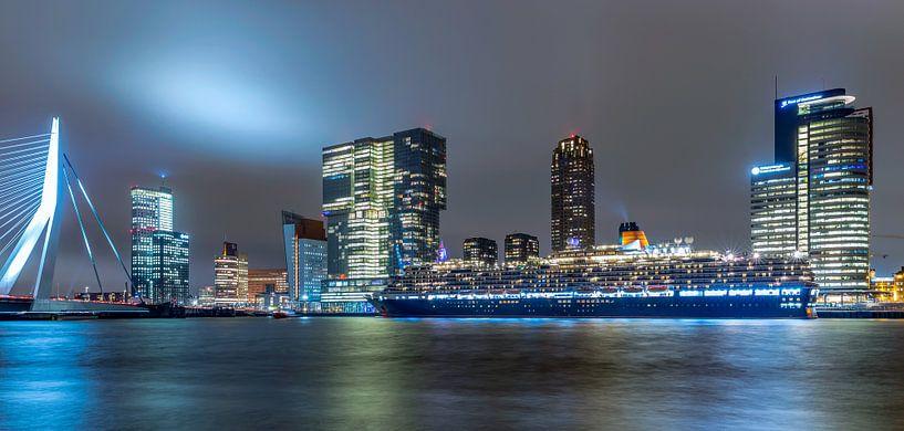 Queen Victoria in Rotterdam van Rene Siebring