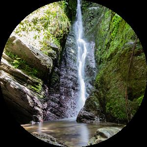 Waterval in de Ardennen in België van Joyce Schouten