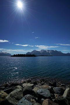 Atlin Lake van Wim Frank