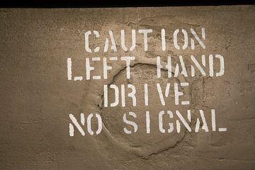 Opgepast, left hand drive van Mark Nieuwenhuizen