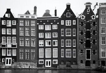 Typisch Hollandse pakhuizen langs de grachten van Amsterdam von Hollandse Hoogte